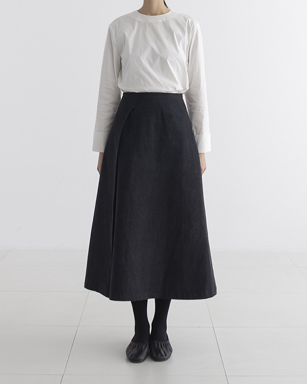 [black label] black denim skirt (sold out)