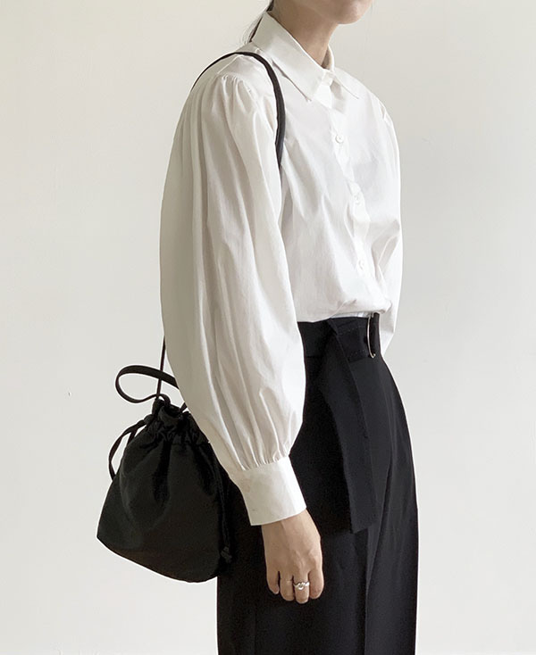 [black label] charming collar blouse (sold out)