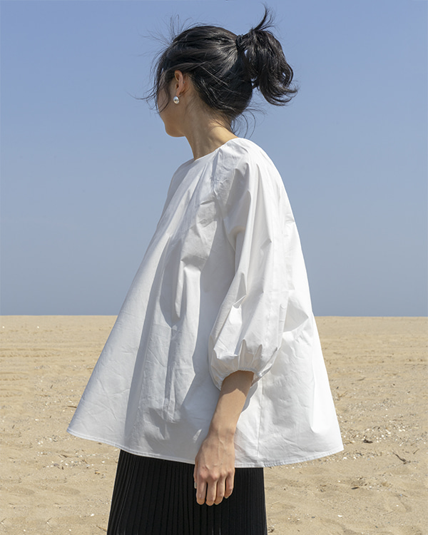 [black label] balloon sleeve blouse (sold out)